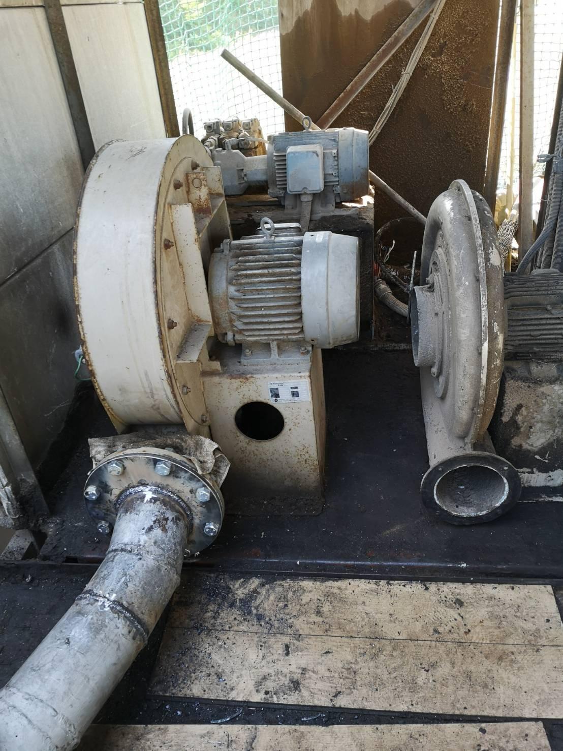 送風機の取替工事
